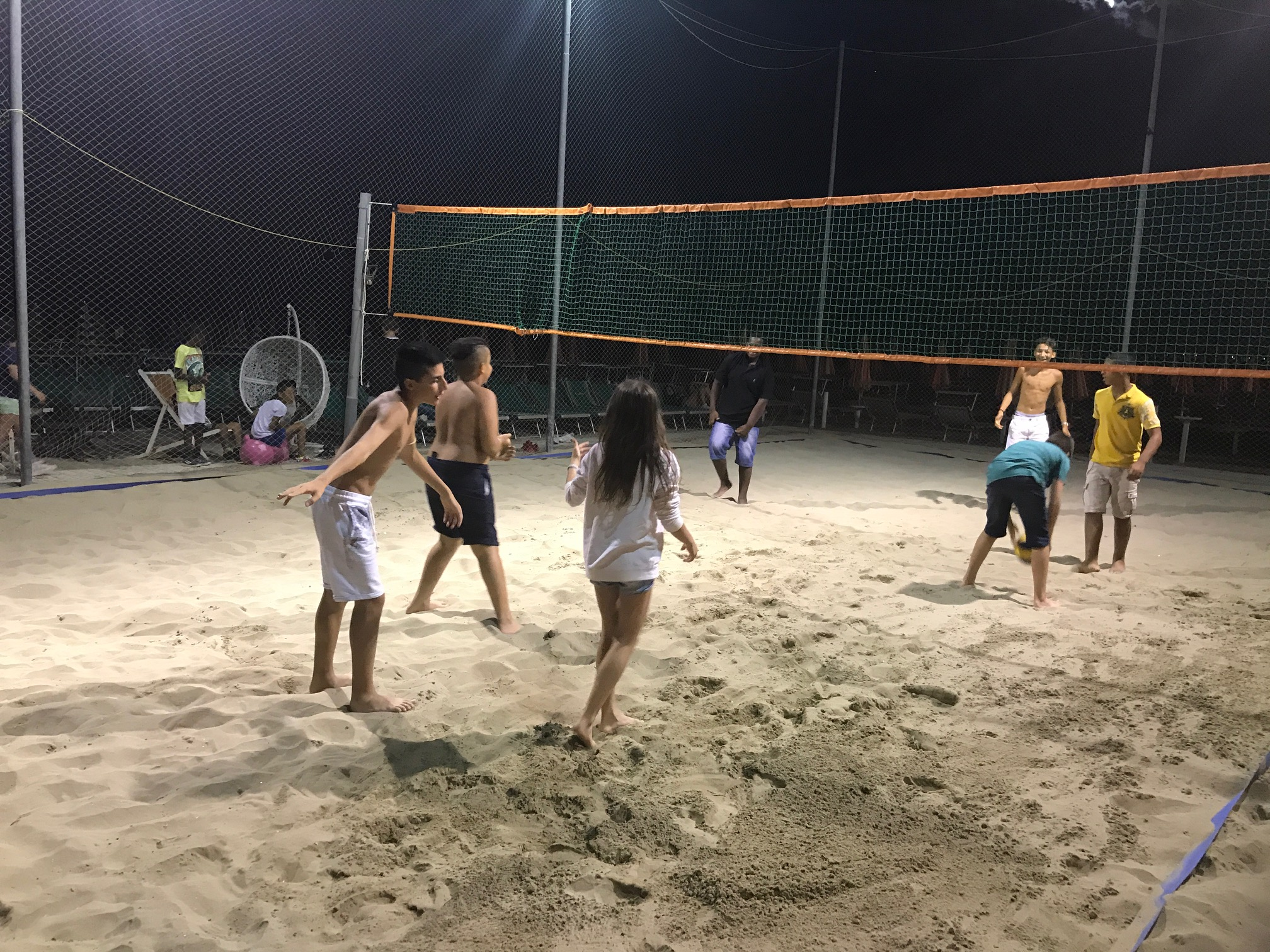 beach volley notturno